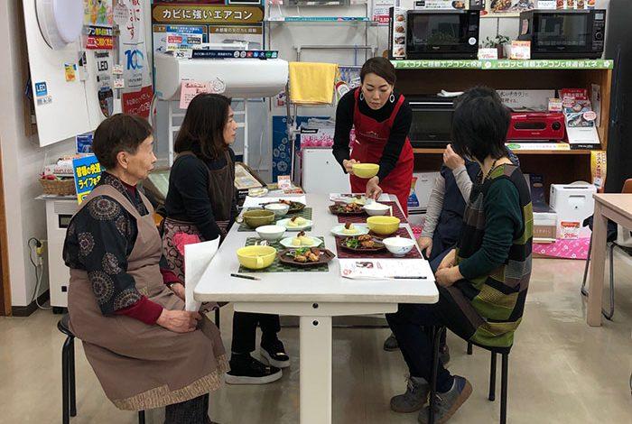まちのでんきやさんの お料理教室毎月開催!