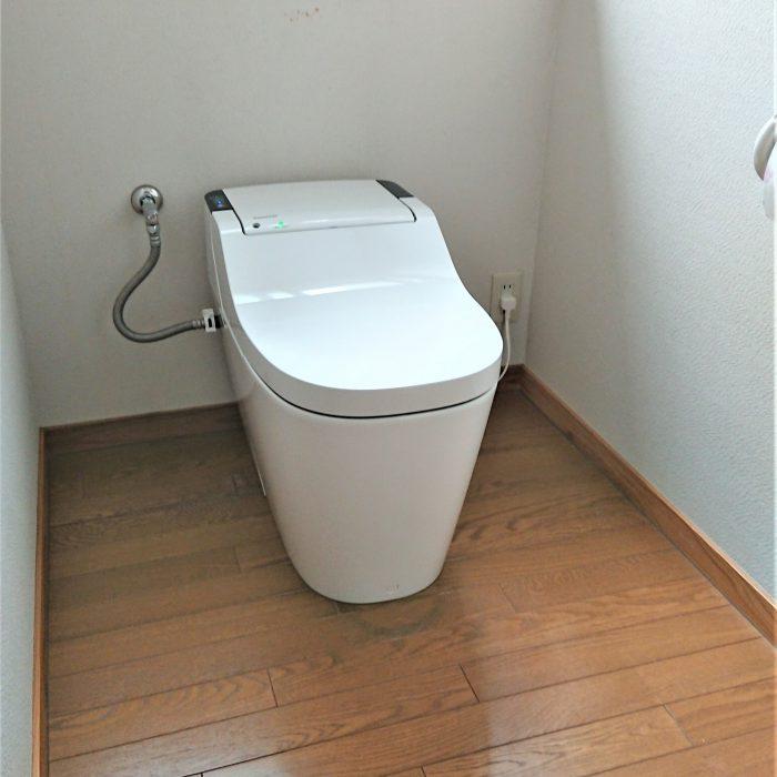 トイレ(新型アラウーノ)   S様邸