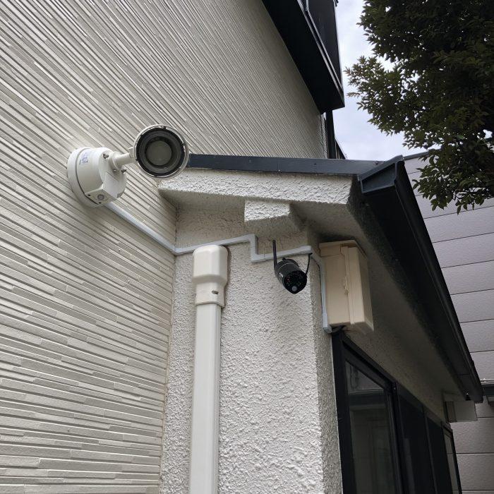アパート入口への防犯カメラ・照明設置事例