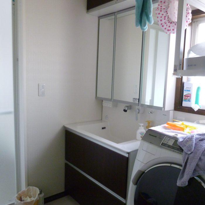 洗面台のリフォーム 1