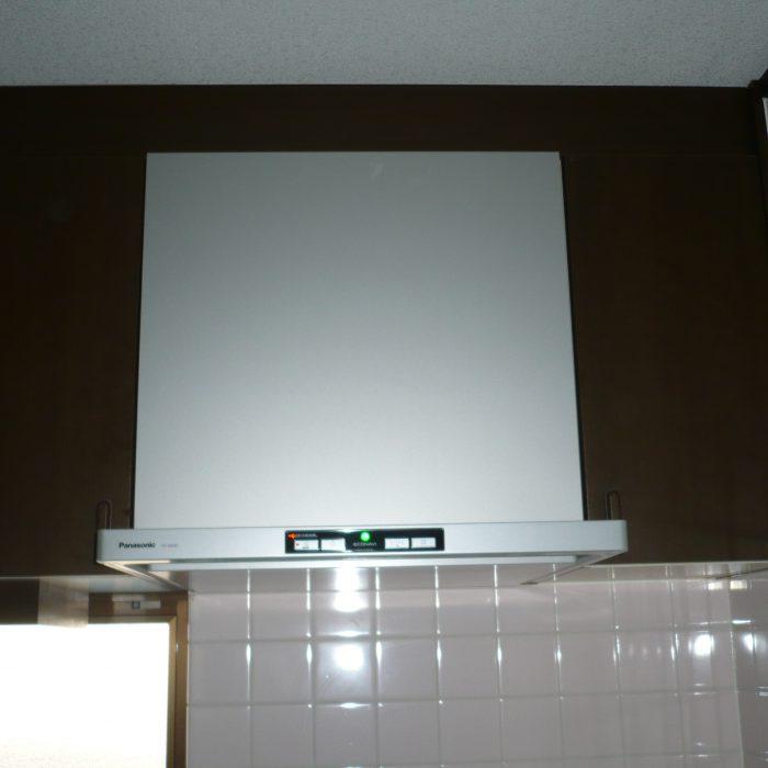 台所の換気扇を交換いたしました‼