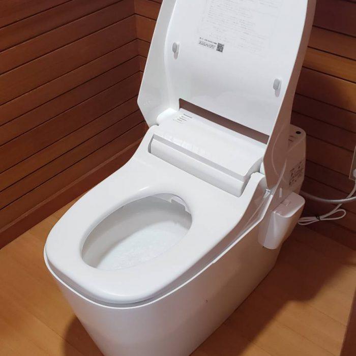 お手入れ楽々トイレ『アラウーノ』のご紹介!!