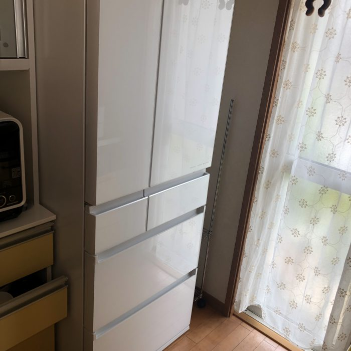 ちょっと低めで最上段も取り出しやすい冷蔵庫!!