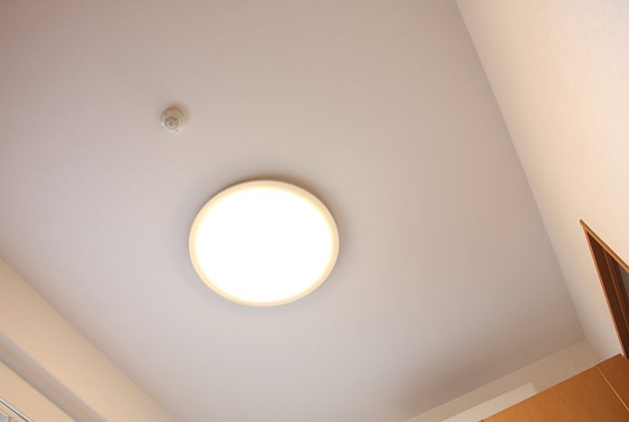 部品・照明の交換