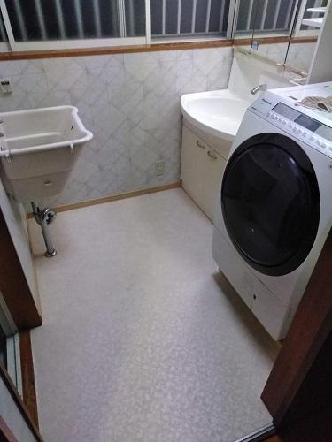 洗面脱衣場の内装(壁紙・クッションフロアー)をリフォーム